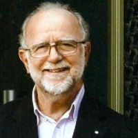Γιάννης Τσεκλένης. Ο μεγαλύτερος σχεδιαστής ρούχων PRET-A-PORTER