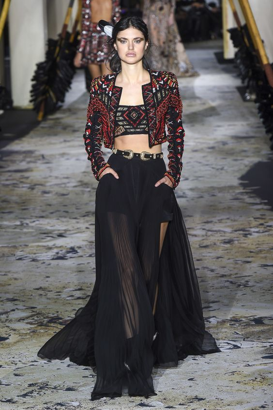 a33bccd404bf Zuhair Murad Spring 2018 Couture Fashion. Η υψηλή ραπτική αναφέρεται ...